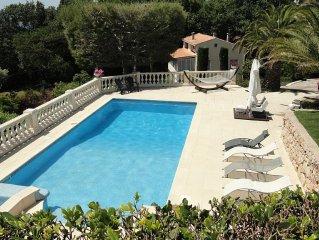 Sanary sur mer maison 100m2 ,terrasse 50m2 piscine et vue mer dans propriete