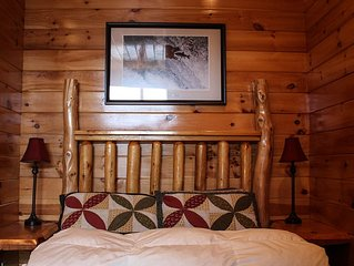 Honeymoon Suite With Balcony Located In Hawk's Nest Lodge