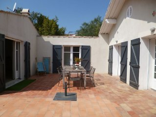 Villa La Ciotat /plain pied 120m2 / 6 pers. /jardin terrasse parking  proche mer
