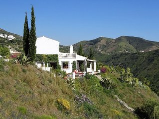Villa Amores - relax, enjoy the sun, scenery and pool..