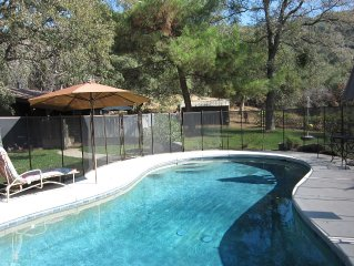 Elegant Architectural Cabin & Guest Cabin  Pool  12 mi from Giant Sequoia Groves