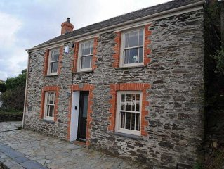 Detached 2 Bedroom Cottage Above Port Isaac Harbour As Featured In Doc Martin.