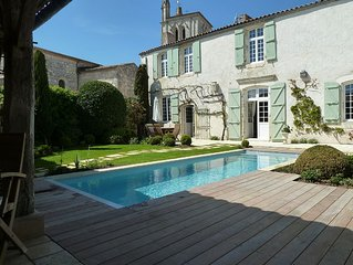 18th C Presbytery ,  Old French Character , heated swimming pool near the beach