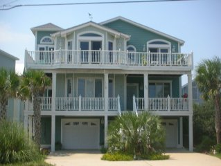 ~ Oceanside Island Paradise ~ Adults Only ~ Pet Friendly ~ Steps to Beach