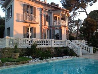 Maison de Charme des annees 1930 avec piscine