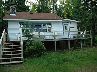 North Shore Cottage w Sounds of Lake Superior & A Lot of Charming Qualities!