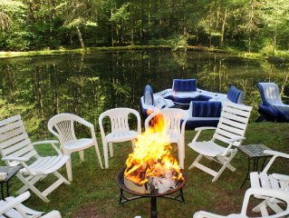 Beautiful and secluded home! Hot tub, pond, game room, wood burning fireplace a