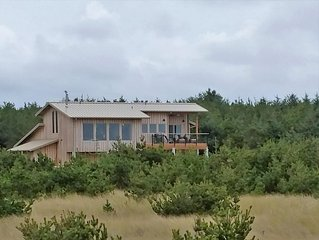 Oceanfront Modern in Long Beach WA--Great View, Pets OK