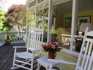 Quiet, Cozy, Romantic Cottage just 3 minutes from the village of Mendocino!