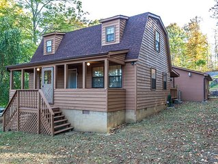 3 BR, 2Bath Cozy and secluded home at beautiful Norris Lake with TV and Wifi