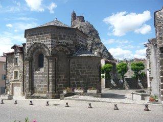Charmant studio au pied du Rocher St Michel d'Aiguilhe Le Puy en Velay