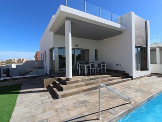 HYPER SUPERB MODERN NEW 3 BEDROOMS WITH POOL OF 8M 4MN A SEA