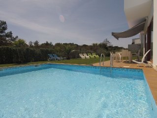 Luxurious villa with private swimming pool, fabulous location. Free WIFI.