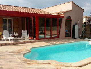 Holiday house with private pool & heated