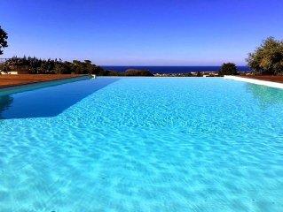 Villa indipendente con piscina e vista mare fra Trapani e San Vito Lo Capo.