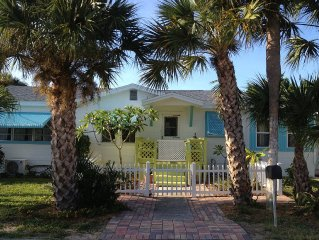 Beachside Tropical Oasis- Vacation Getaway; Family & Pet-Friendly Property