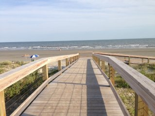 Walk To The Beach & Be in the Center of All Kiawah Has To Offer