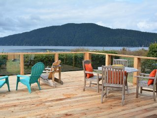 Ocean Front Family-Friendly Retreat- 4 bedrooms. Driftwood Cottage