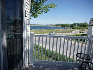 Beach Retreat: 2 BR Condo w/ Lake Michigan Views, Pool & Hot tub! (Sleeps 6)