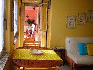 Villasimius - little and cozy flat with spacious terrace- Wi-FI