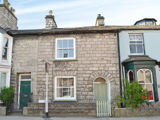 2 bedroom property in Kendal and Lakes Gateway. Pet friendly.