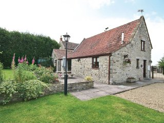 2 bedroom property in Chipping Sodbury. Pet friendly.
