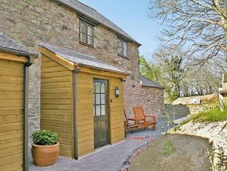 3 bedroom property in Perranporth. Pet friendly.