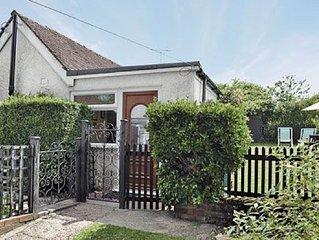 1 bedroom property in Folkestone. Pet friendly.
