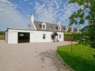 3 bedroom property in Nairn. Pet friendly.