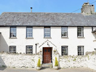 2 bedroom property in Combe Martin. Pet friendly.
