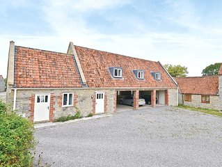 3 bedroom property in Shepton Mallet.