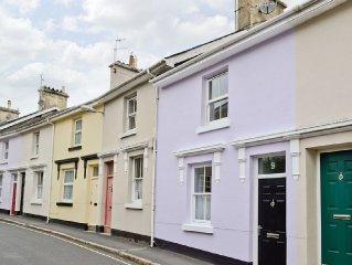2 bedroom property in Buckfastleigh. Pet friendly.