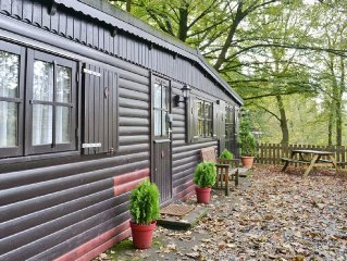 2 bedroom property in Ambleside. Pet friendly.
