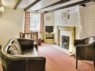 2 bedroom property in Robin Hood's Bay. Pet friendly.