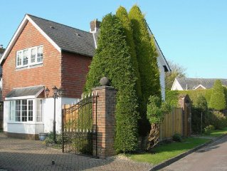 1 bedroom property in Brockenhurst.