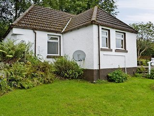 1 bedroom property in Acharacle. Pet friendly.