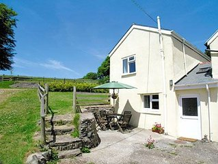 3 bedroom property in Barnstaple. Pet friendly.