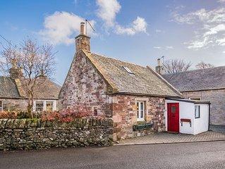 BRAEMAR- Pretty village location close to Edinburgh attractions, cosy pub nearby