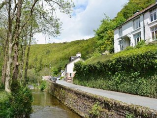 2 bedroom property in Dulverton. Pet friendly.