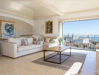 Ap1 - Espectacular penthouse com terraço e vista panorâmica no Castelo