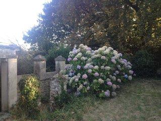 Charmante maison ancienne au calme avec jardin - Village et mer a pied