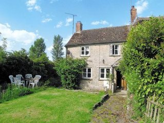 3 bedroom property in Cirencester.