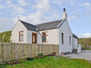 2 bedroom property in Campbeltown. Pet friendly.
