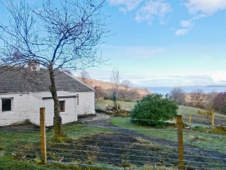 2 bedroom property in Acharacle. Pet friendly.