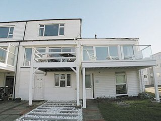 4 bedroom property in Selsey. Pet friendly.