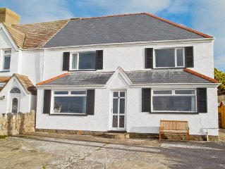 4 bedroom property in Gower Peninsula. Pet friendly.