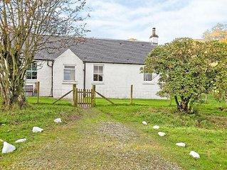 1 bedroom property in Lochgilphead. Pet friendly.