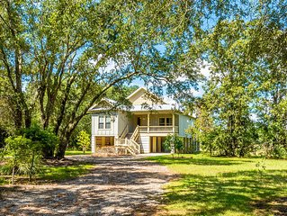 River Cottage Getaway - Short Drive to Dauphin Island Beaches!