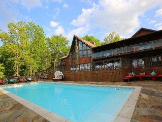 Luxury Lake View Lodge Sleeps 30, Set On 11 Acres With Heated Swimming Pool.