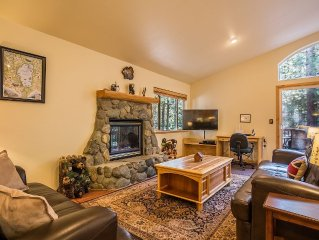 Family Favorite - Spacious Living Area, Big Yard, Hot Tub, Close to Trails